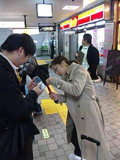 ミニポタライブ「渋谷コンビニ100店ツアー」。