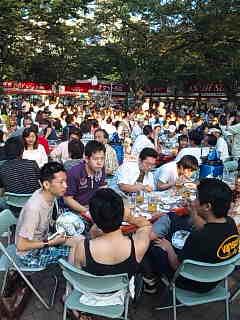 札幌・大通り公園のビヤガーデン。