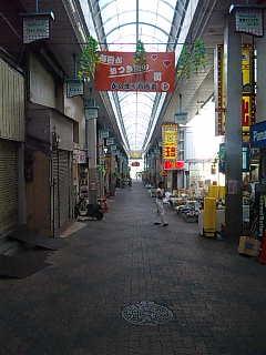 空堀通り商店街。