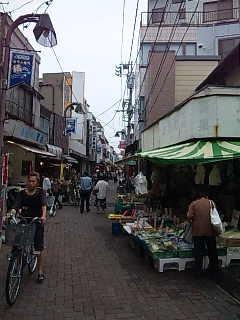 キラキラ橘商店街。