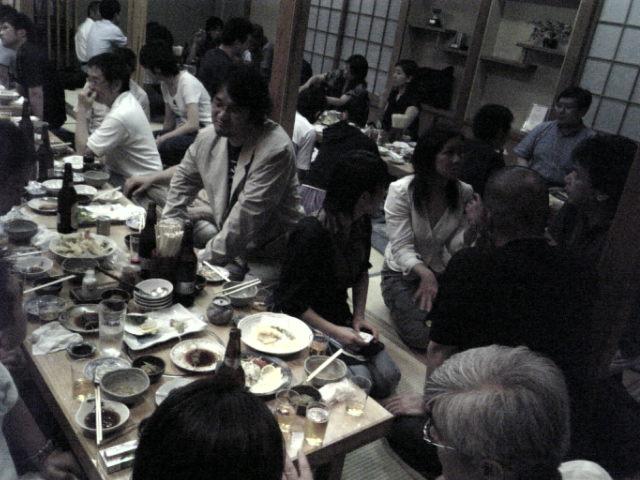 AAF2007パーティー二次会、絶賛盛り上がり中。